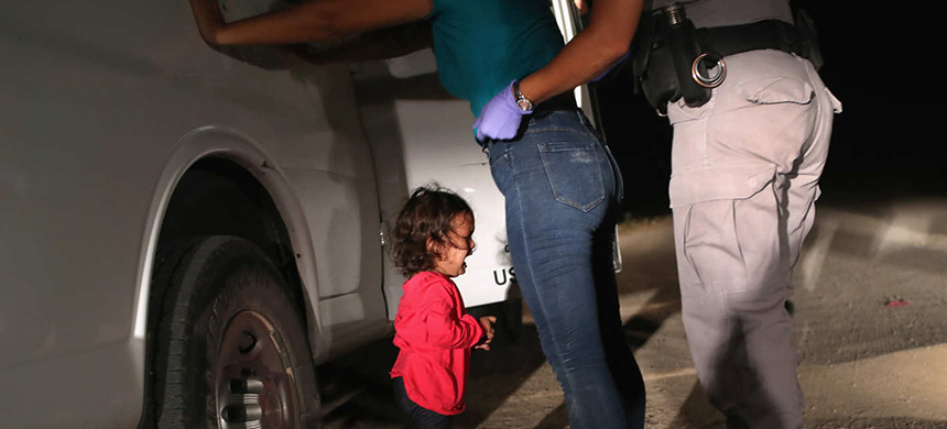 A two-year-old Honduran girl and her mother in McAllen, Texas. (photo: John Moore/Getty Images)