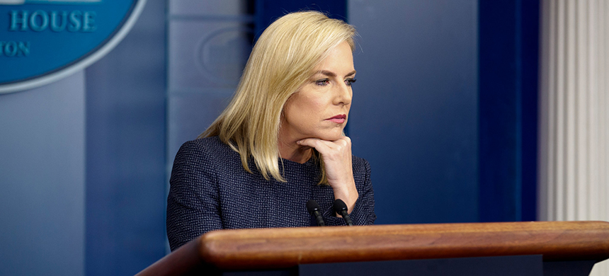 Ms. Nielsen at a White House press briefing. (photo: Tom Brenne/NYT)