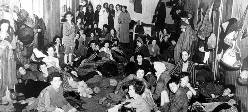 Roma women in Bergen-Belsen after the concentration camp was turned over to the Allied 21st Army Group on April 15, 1945. (photo: Galerie Bilderwelt/Getty Images)