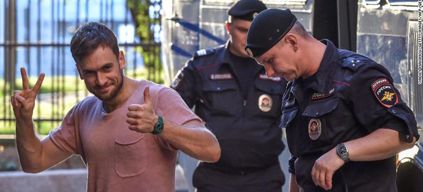 Reports say Pussy Riot member Pyotr Verzilov, seen here attending an appeal hearing at a court in Moscow in July, has been urgently hospitalized in the toxicology intensive care unit of a Moscow hospital for suspected poisoning. (photo: Getty Images)
