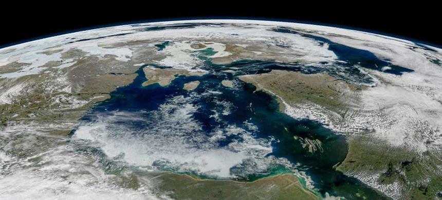The new satellite will provide a more complete picture of the planet's ice loss. (photo: Modis/Aqua/NASA)