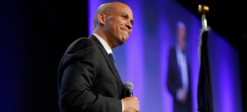 Senator Cory Booker. (photo: Charlie Neibergall/AP)