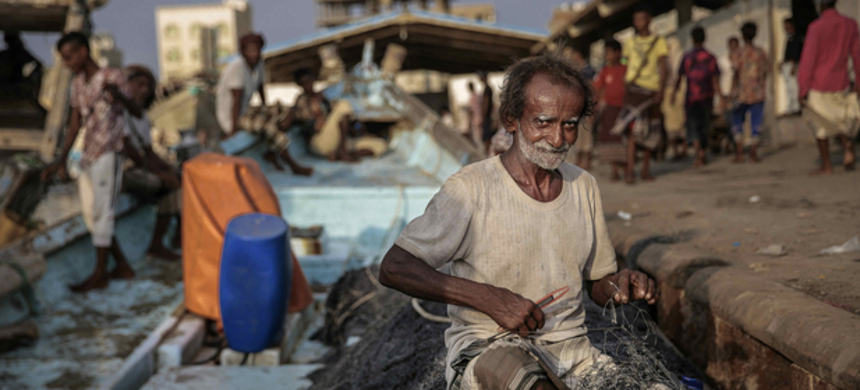 Fishermen in Hodeidah are often killed by the Saudi-led coalition if they go out to sea. (photo: AP)