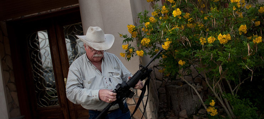 Michael Vickers, a veterinarian and rancher in Falfurrias, Texas, says he won't let outside militia onto his property and he doesn't think such groups will be trusted by most area landowners. (photo: Dominic Bracco II/Prime/FTWP)