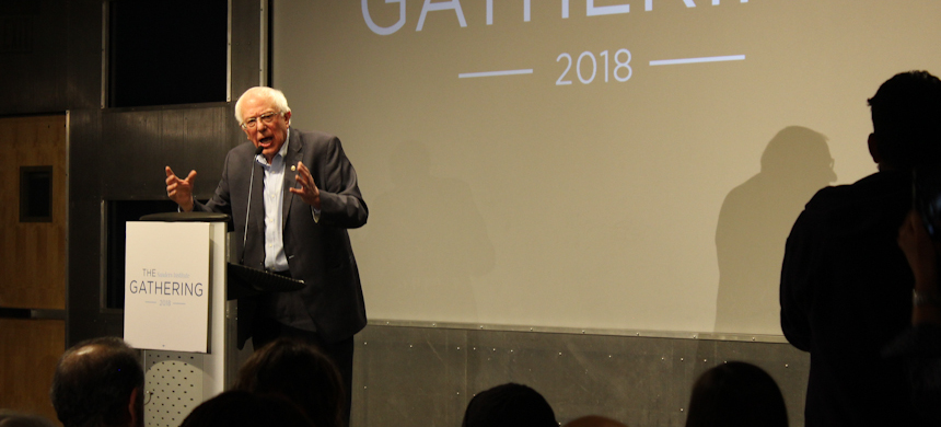 Bernie Sanders addresses the Sanders Institute Gathering in Burlington, Vermont. (photo: Andrew Stefan/RSN)