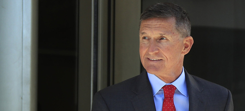 Prosecutors on Tuesday filed new paperwork in the case of former national security adviser Mike Flynn. He has been cooperating with investigators since pleading guilty last year. (photo: Manuel Balce Ceneta/AP)