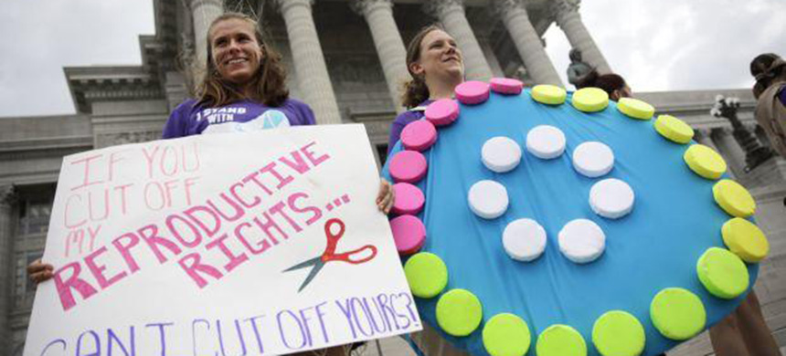 Reproductive rights supporters. (photo: Jeff Roberson/AP)