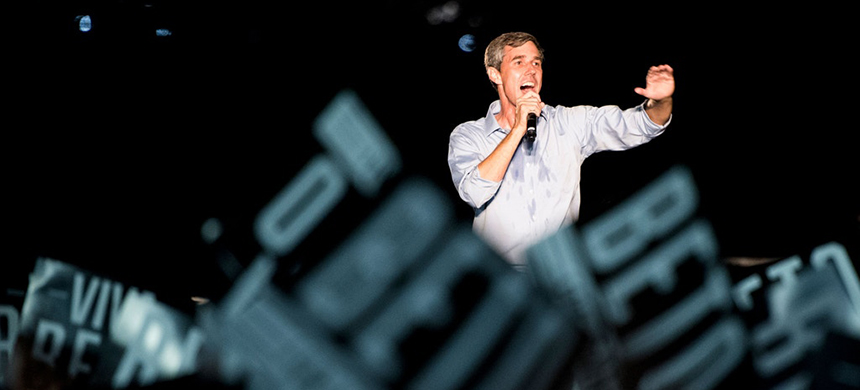 Democratic candidate for U.S. Senate from Texas Rep. Beto O'Rourke speaks to the crowd at his 'Turn Out for Texas' rally, featuring a concert by Wille Nelson, in Austin, Texas, on Sept. 29, 2018. (photo: Bill Clark/CQ Roll Call/AP)