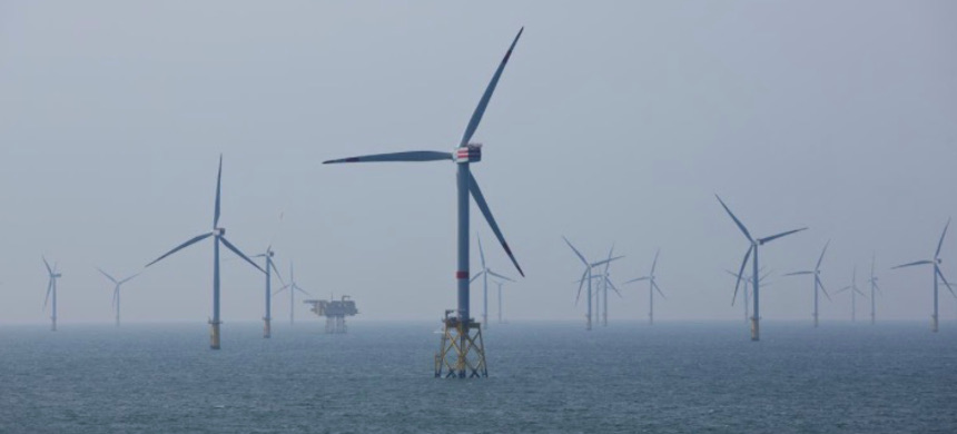 Wind turbines are pictured in RWE Offshore-Windpark Nordsee Ost in the North sea, 30 km from Helgoland, Germany. (photo: Christian Charisius/Reuters)