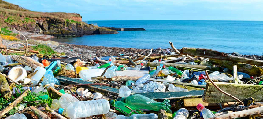 The Alliance to End Plastic Waste has committed $1bn (£778m) over the next five years to reduce plastic production and improve recycling. (photo: Education Images/UIG/Getty Images)