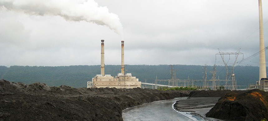 Power plants are the biggest sources of water pollution in the country. Power plant water discharges are filled with toxic pollution such as mercury, arsenic, lead, and selenium. (photo: EPA)