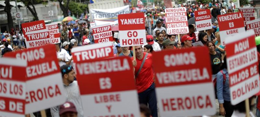 Rally against Donald Trump in Caracas, Venezuela. (photo: Ueslei Marcelino/Reuters)