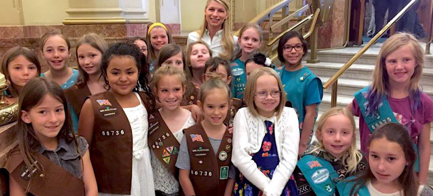 Colorado Girl Scouts unveil the climate change patch at the Colorado Capitol, April, 2017. (photo: Girl Scouts of Colorado)