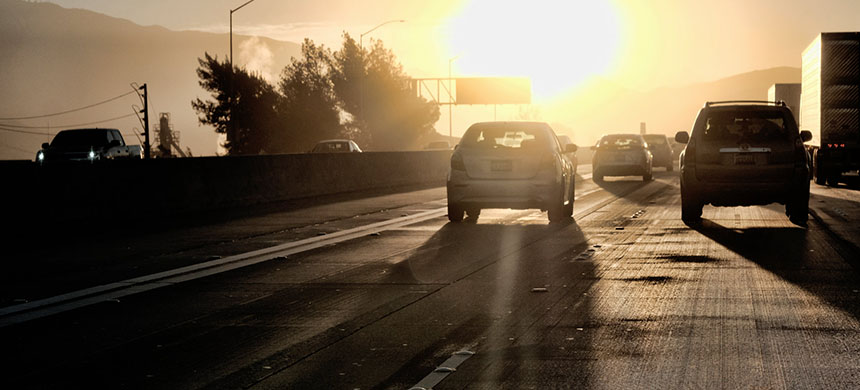 Morning commuters on Interstate 5 in Los Angeles. California voters have backed a proposal to stay on daylight saving time, with its later sunsets and sunrises, all year round. (photo: Richard Vogel/AP)
