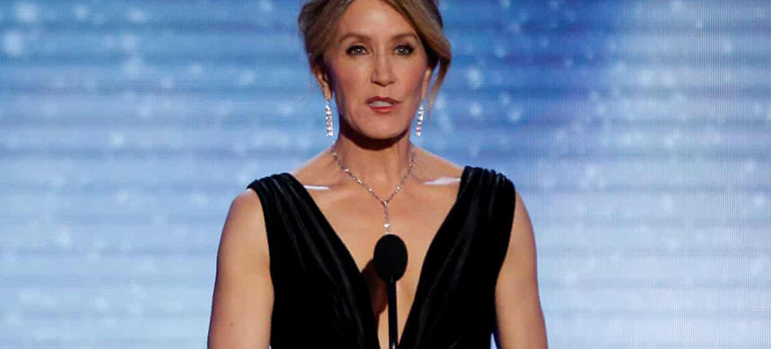 Felicity Huffman. Thirty-three parents were charged. (photo: Mario Anzuoni/Reuters)