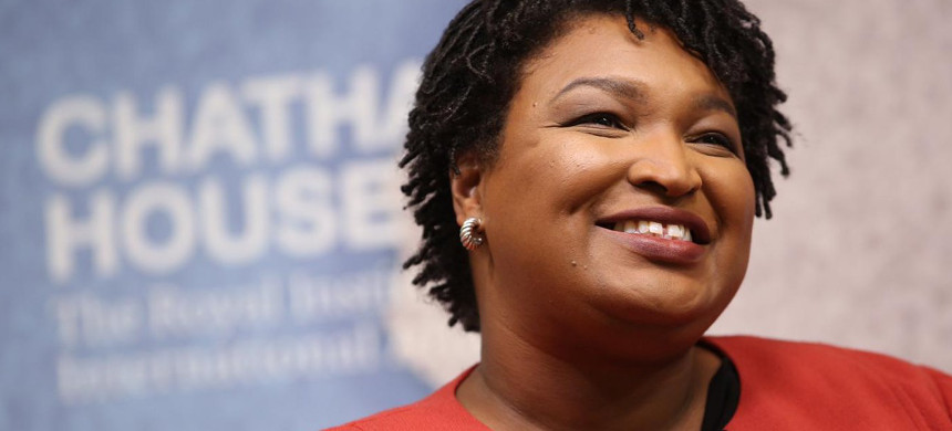 Democratic Georgia Gubernatorial candidate Stacey Abrams speaks at London's Chatham House on March 6. (photo: Chatham House)