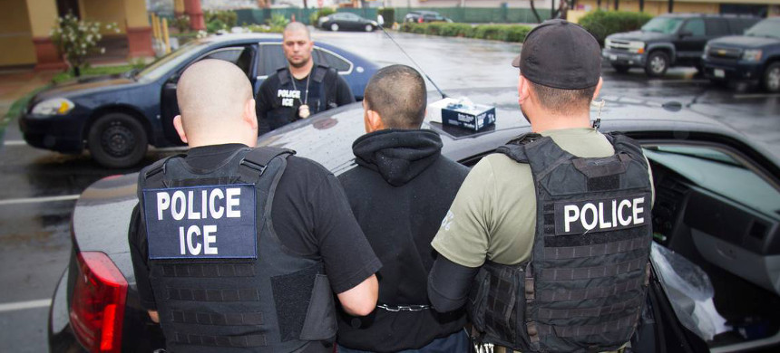 An arrest is made during a targeted enforcement operation conducted by U.S. Immigration and Customs Enforcement (ICE). (photo: Charles Reed/ICE)