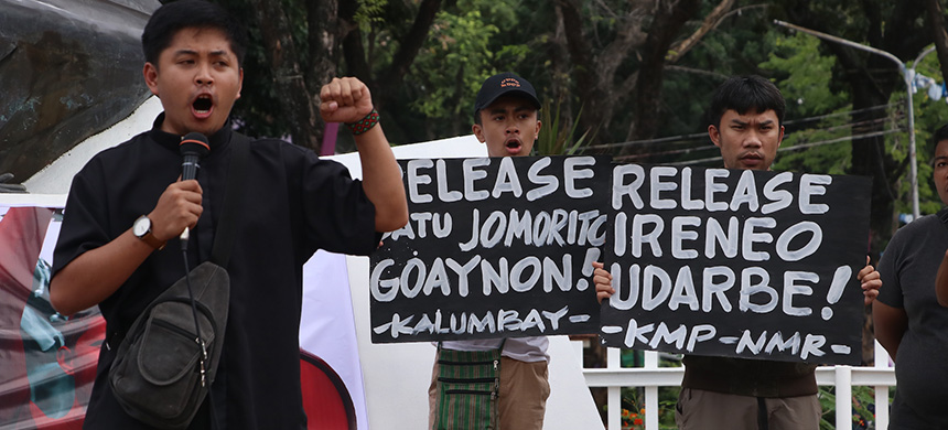 Father Allan Khen Apus of Karapatan in northern Mindanao at a Jan. 30 rally in Cagayan de Oro demanding release of Goaynon and Udarbe. (photo: RMP-NMR)