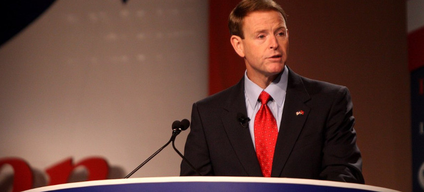 Tony Perkins, president of the anti-LGBT Family Research Council, speaking at the Values Voter Summit in Washington D.C. on October 7, 2011. (photo: Gage Skidmore/Wikimedia)