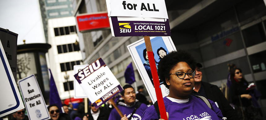 Hundreds of San Francisco city workers staged a rally to demand a fair contract that addresses pay equality for women outside of the City and County of San Francisco Human Resources office on March 7, 2019. (photo: Justin Sullivan/Getty Images)