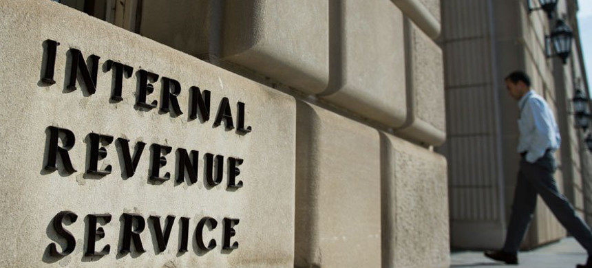 Internal Revenue Service. (photo: Andrew Caballero-Reynolds/Getty)