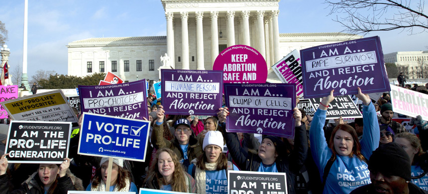 Anti-abortion activists protest outside the Supreme Court during the March for Life on Jan. 18. (photo: Jose Luis Magana/AP)
