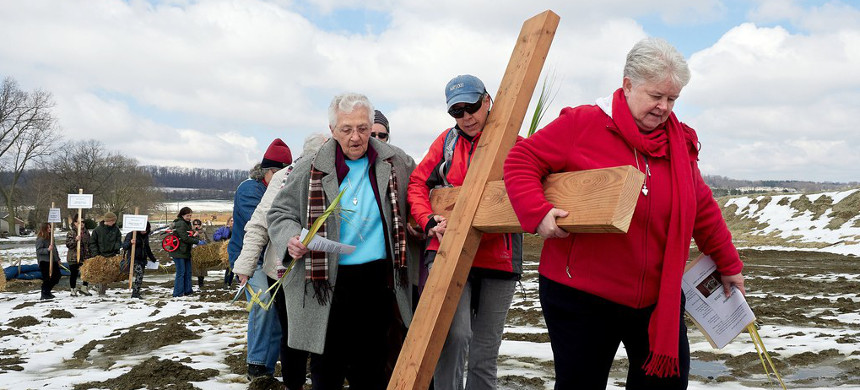 In 2015, the Adorers of the Blood of Christ, a congregation of nuns, learned that an energy company planned to build a pipeline on their land. So they started a resistance movement. (photo: Dave Parry)