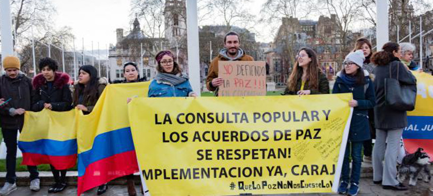 Colombians protesting in London in support of the JEP, March 18, 2019. (photo: Diego Echeverry)