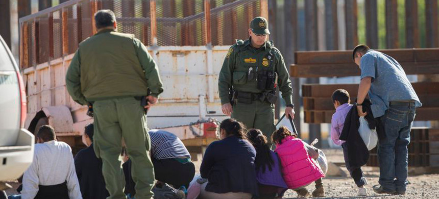 Border agents detained a migrant group near the Paso del Norte International Bridge in El Paso. (photo: Getty)