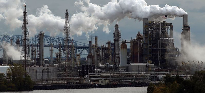 Oil refinery. (photo: AP)