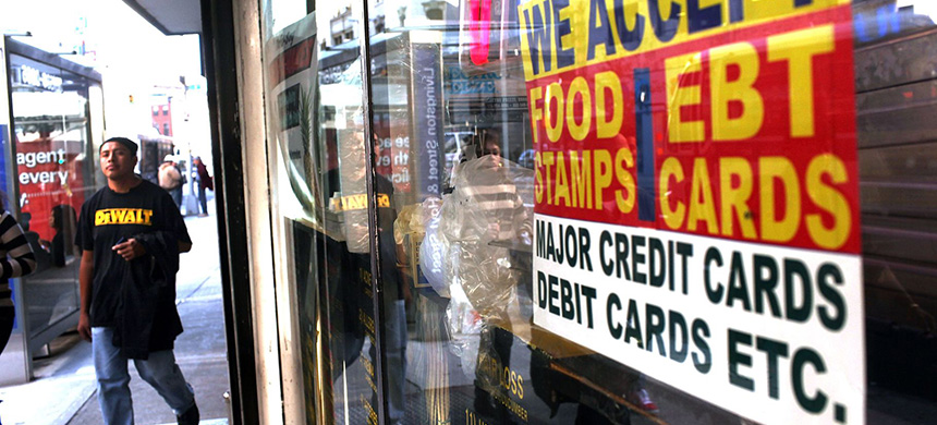 It's all about the prices that people, like food stamps recipients, pay. (photo: Spencer Platt/Getty Images)