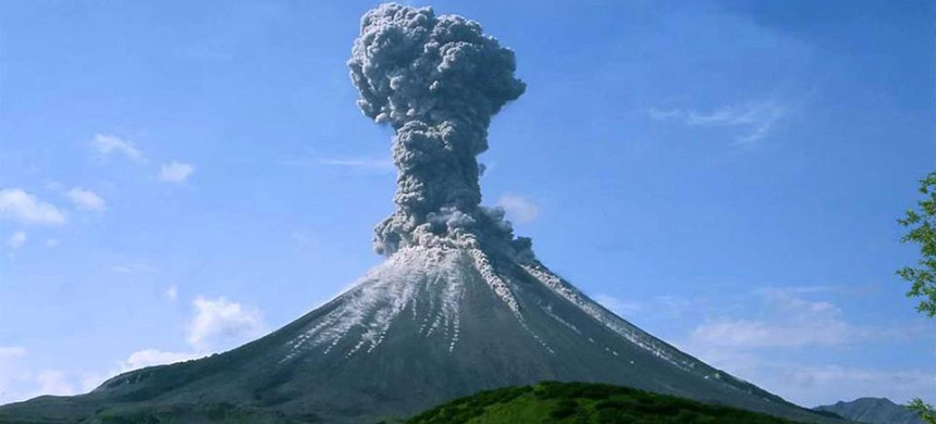 When volcanoes erupt, a large amount of material from the Earth's interior, including extraordinary amounts of carbon dioxide, are released into the atmosphere. (photo: European Geosciences Union)