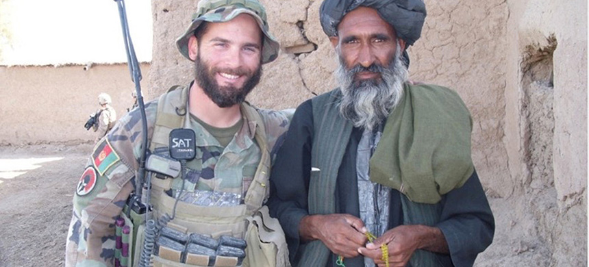 Maj. Mathew L. Golsteyn, left, the Army Green Beret accused of killing an unarmed Afghan in 2010. (photo: Duncan Hunter/NYT)