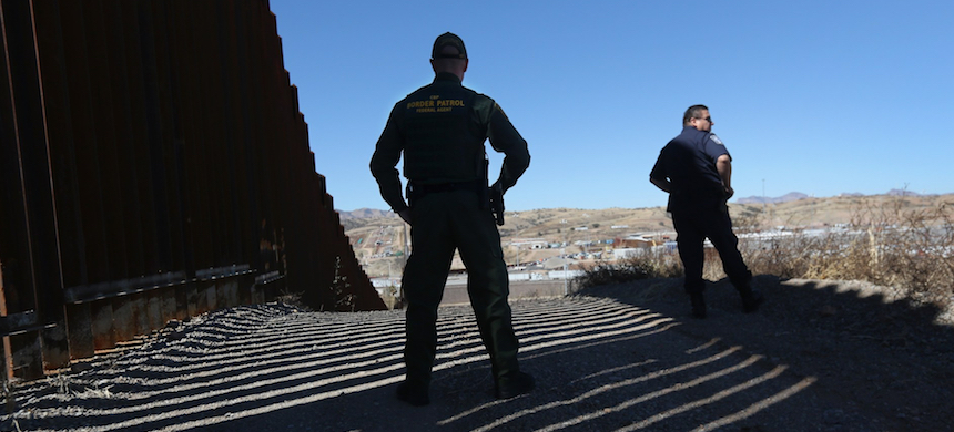 Border Patrol agents. (photo: John Moore/Getty Images)