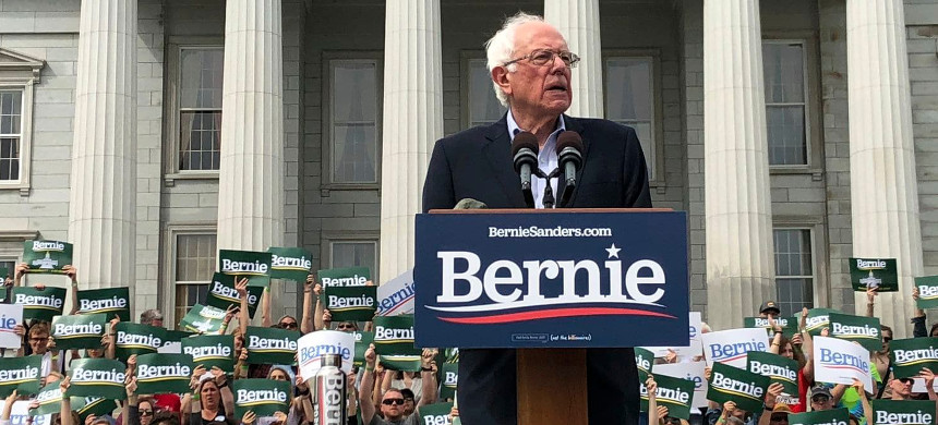 Presidential candidate Sen. Bernie Sanders of Vermont holds the first home state rally of his 2020 campaign on May 25 in front of the Statehouse in Montpelier. (photo: Lisa Rathke/AP)