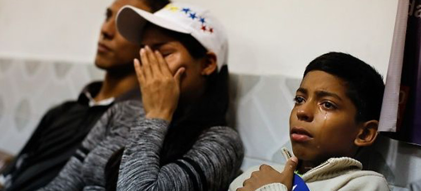 Sanctions on Venezuela are obstructing medical treatment to people resulting in deaths. (photo: Reuters)