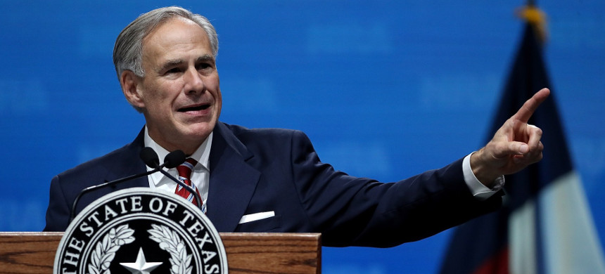 Texas Greg Abbott speaks at the NRA annual meeting on May 4, 2018. (photo: Justin Sullivan/Getty)