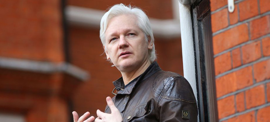 WikiLeaks founder Julian Assange speaks to the media from the balcony of the Embassy of Ecuador on May 19, 2017, in London. (photo: Jack Taylor/Getty Images)