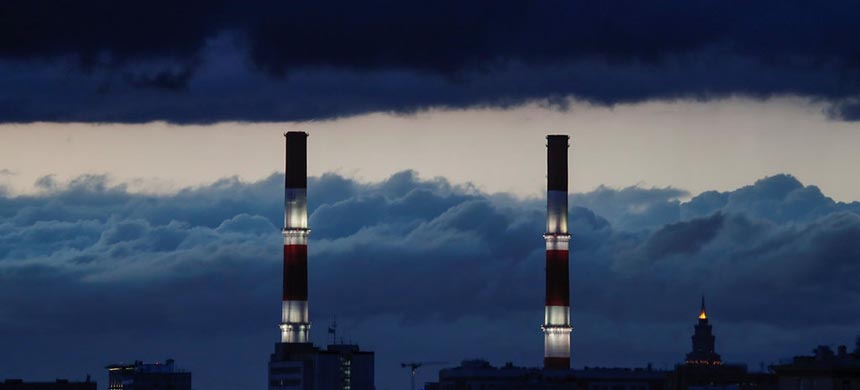 A heating power plant in Moscow. Officials described the move into Russia's grid and other targets as a classified companion to more publicly discussed action directed at Moscow's disinformation and hacking units around the 2018 midterm elections. (photo: Maxim Shemetov/Reuters)