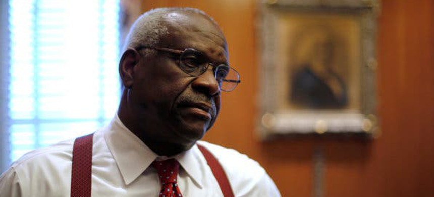 Justice Clarence Thomas. (photo: Jonathan Ernst/Reuters)