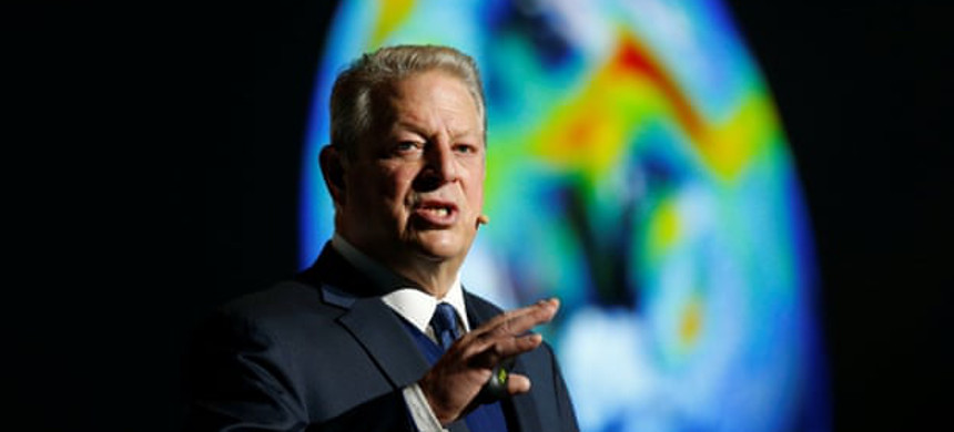 Al Gore: 'We have entered an age of environmental crises and of widening social divides.' (photo: Agenja Gazeta)