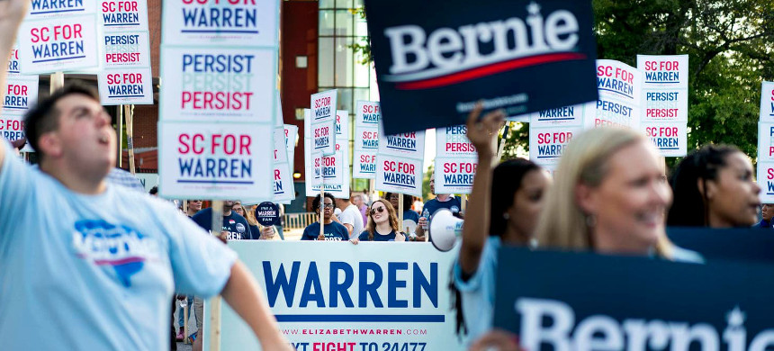 Supporters of Bernie Sanders and Elizabeth Warren cheer outside a campaign event in South Carolina last weekend. (photo: Melina Mara/The Washington Post)