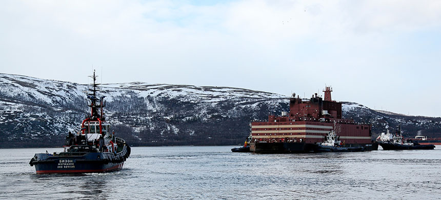 World's first floating nuclear power plant (NPP) Akademik Lomonosov is towed to the port of Murmansk, Russia. (photo: Pavel Lvov/Sputnik/AP)