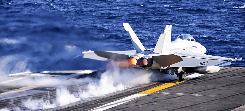 F-A 18 F Super Hornet takes off from an aircraft carrier. (photo: Getty Images)