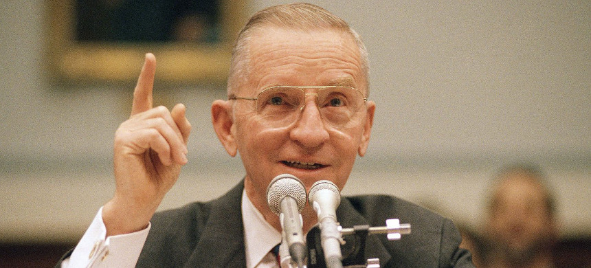 Ross Perot testifies on Capitol Hill before the House Small Business Committee on Mar 24th, 1993. Perot told the committee that the U.S. should proceed cautiously as it tries to reach a free trade agreement with Mexico. (photo: John Duricka/AP/Shutterstock)