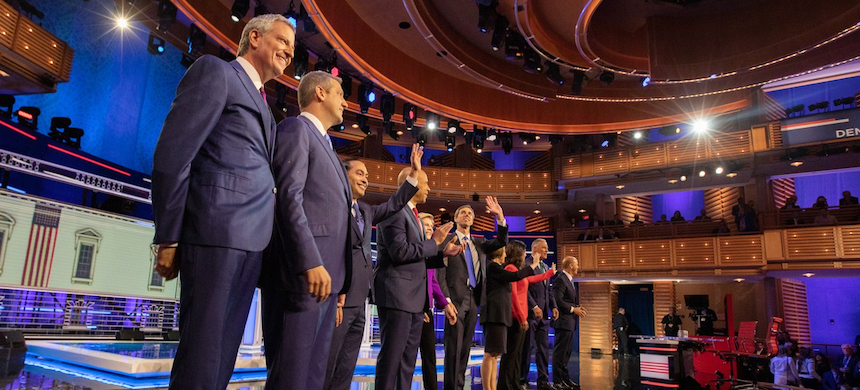 Democratic presidential candidates wave to the crowd at the first round of primary debates in June. (photo: Jayme Gershen/Getty Images)
