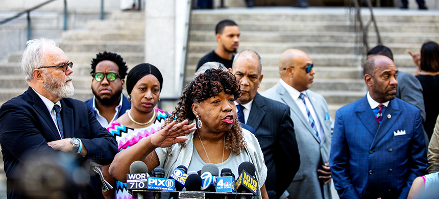 Gwen Carr, Eric Garner's mother, spoke at a press conference on Tuesday after the Justice Department declined to pursue federal charges against a New York City police officer in his 2014 death. (photo: Demetrius Freeman/NYT)