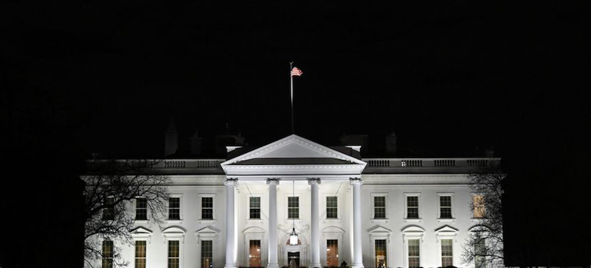 The White House at night. (photo: Susan Walsh/AP)