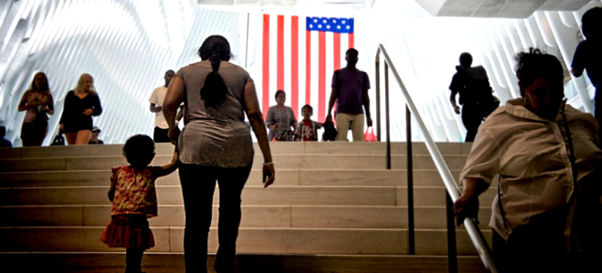 For the first time, many undocumented immigrants are finding out that when Immigration and Customs Enforcement come to their door, they have rights. (photo: Jay Lazarin/iStock)