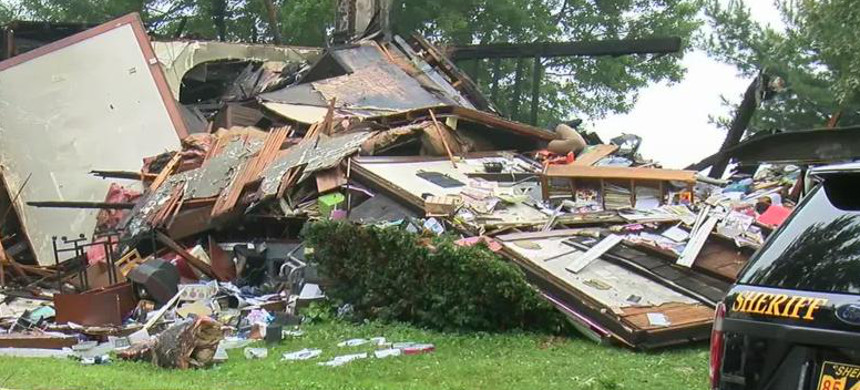 The scene of the house explosion in Sterling, Ohio. (photo: CNN)
